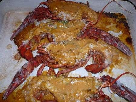 Homard grill sauce homardine recette ptitchef - Recette homard grille ...