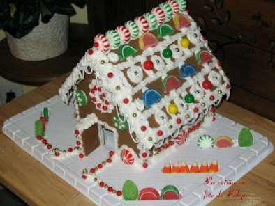 maison en pains d 39 pices avec bonbons bonbons et bonbons. Black Bedroom Furniture Sets. Home Design Ideas