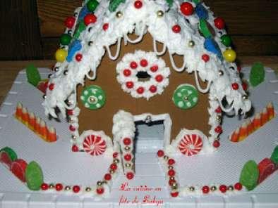 Maison en pains d 39 pices avec bonbons bonbons et bonbons recette ptitchef - Maison en biscuit et bonbons ...
