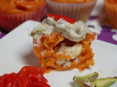 Cupcakes salés : poivron coeur de chêvre et topping pistache