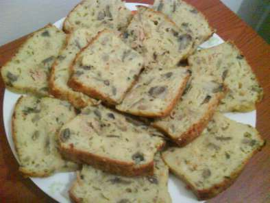 Gâteau au thon et aux champignons