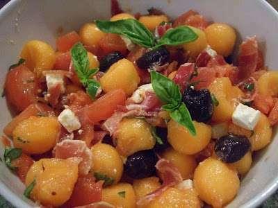 Melon Dore Et Dernieres Tomates Du Jardin Pour Une Entree Simple Et