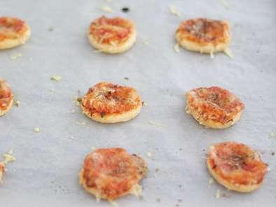 mini pizzas 224 la p 226 te feuillet 233 e recette ptitchef
