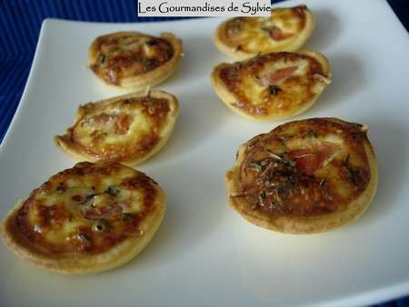 mini quiches la tomate recette ptitchef. Black Bedroom Furniture Sets. Home Design Ideas