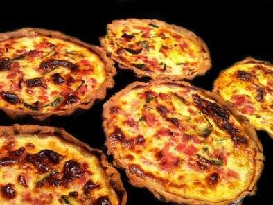 mini quiches jambon courgettes sur p 226 te bris 233 e light recette ptitchef