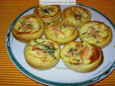 mini tartelettes au saumon recette ptitchef. Black Bedroom Furniture Sets. Home Design Ideas
