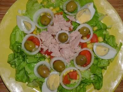 Omelette farcie et sa salade verte recette ptitchef - Recette salade verte ...