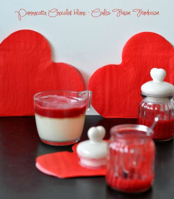 pannacotta chocolat blanc coulis de fraise framboise recette ptitchef. Black Bedroom Furniture Sets. Home Design Ideas