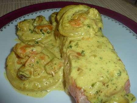 Pav de saumon et sa sauce aux fruits de mer recette ptitchef - Comment cuisiner un pave de saumon ...