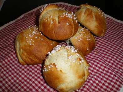 petits pains au lait et au miel du dimanche matin recette ptitchef. Black Bedroom Furniture Sets. Home Design Ideas