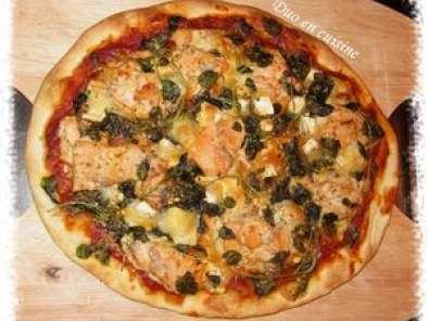 pizza au saumon au ch vre et au cresson recette ptitchef. Black Bedroom Furniture Sets. Home Design Ideas