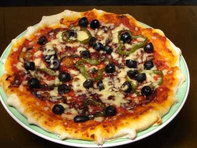pizza au thon recette ptitchef. Black Bedroom Furniture Sets. Home Design Ideas