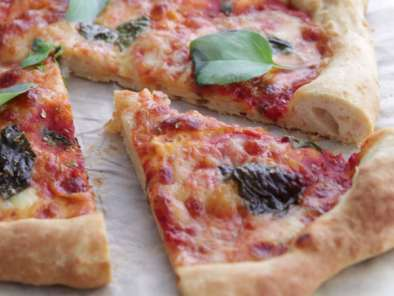 Pizza Margherita moelleuse