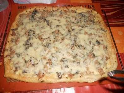 pizza thon champignons cr me fra che recette ptitchef. Black Bedroom Furniture Sets. Home Design Ideas