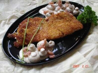 poisson pan aux corn flake et sauce aux champignons au boursin recette ptitchef. Black Bedroom Furniture Sets. Home Design Ideas