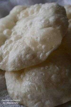 poori ou puri pain souffl indien version feuillet e recette ptitchef. Black Bedroom Furniture Sets. Home Design Ideas
