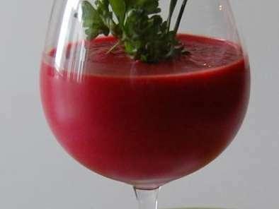 potage la tomate et la betterave 100 rouge servir chaud ou froid recette ptitchef. Black Bedroom Furniture Sets. Home Design Ideas