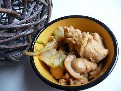 poulet au chou chinois et champignons au thermomix recette ptitchef. Black Bedroom Furniture Sets. Home Design Ideas
