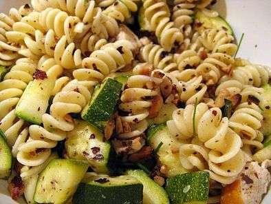salade d été ou l alliance des pâtes avec les courgettes