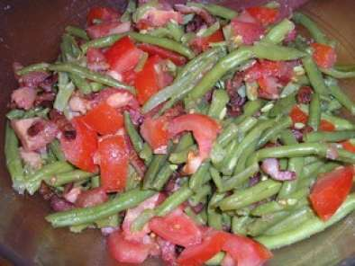 salade de haricots verts lardons et tomates recette ptitchef. Black Bedroom Furniture Sets. Home Design Ideas