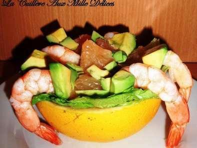 salade de pamplemousse avocat crevettes recette ptitchef. Black Bedroom Furniture Sets. Home Design Ideas