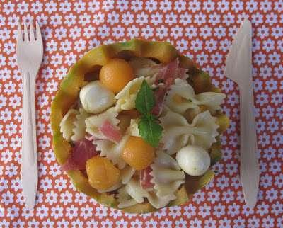 salade de p tes au melon et au jambon cru recette ptitchef. Black Bedroom Furniture Sets. Home Design Ideas