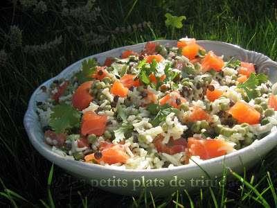 Salade de riz, lentilles, petits pois et saumon au lait de ...