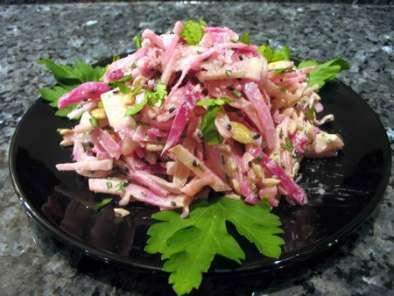 salade festive de chou pour toute la famille recette ptitchef. Black Bedroom Furniture Sets. Home Design Ideas