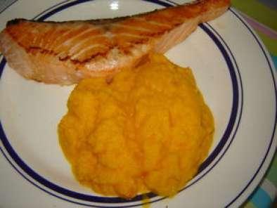 Saumon po l la pur e de carotte et curcuma recette ptitchef - Cuisiner des carottes a la poele ...