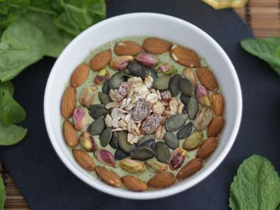 Smoothie bowl kiwi menthe pousses d'épinards, Photo 2