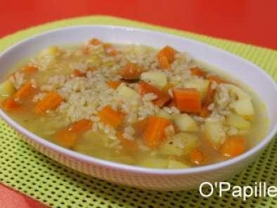 soupe de carottes pommes de terre et riz recette ptitchef. Black Bedroom Furniture Sets. Home Design Ideas