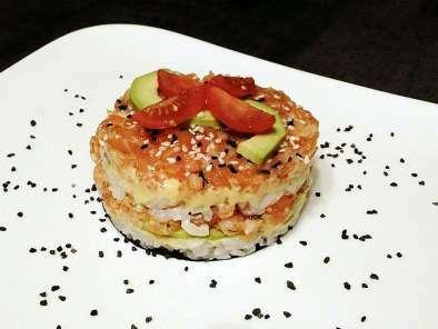 sushi cake au saumon facile recette ptitchef. Black Bedroom Furniture Sets. Home Design Ideas