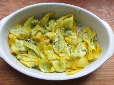 tagliatelles de courgettes jaunes au pesto de coriandre