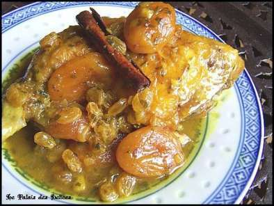 tajine de poulet aux abricots et raisins blonds