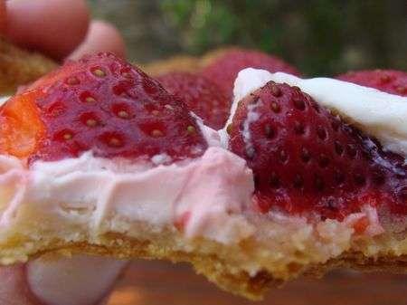 tarte aux fraises toute simple juste un peu de mascarpone recette ptitchef. Black Bedroom Furniture Sets. Home Design Ideas