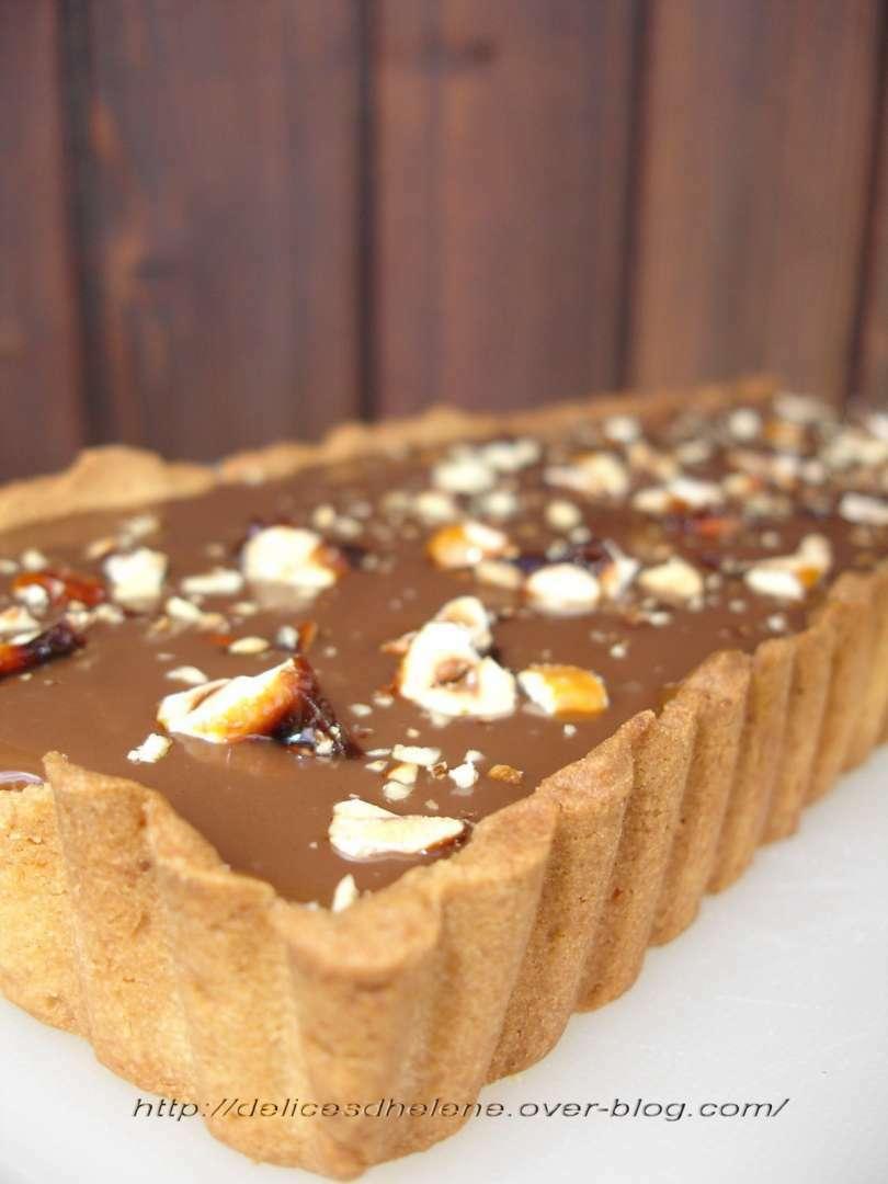 tarte chocolat au lait noisettes caramelisees a la fleur. Black Bedroom Furniture Sets. Home Design Ideas