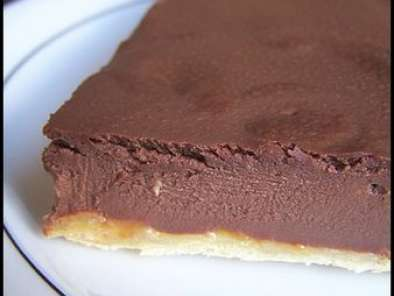 tarte fondante au chocolat noir et confiture d 39 abricot. Black Bedroom Furniture Sets. Home Design Ideas
