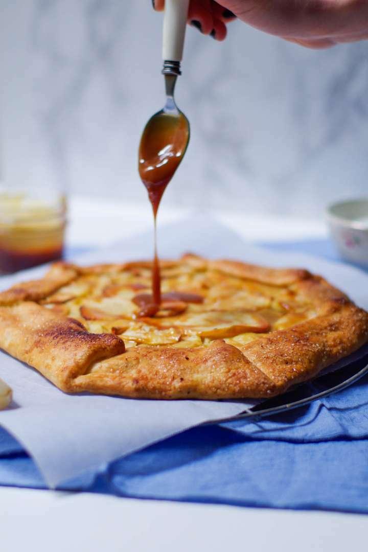 Tarte rustique pommes et confiture de lait recette ptitchef - Recette avec confiture de lait ...