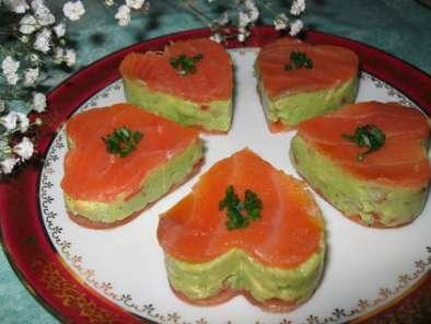 tendres petits coeurs de saumon fum au guacamole recette. Black Bedroom Furniture Sets. Home Design Ideas