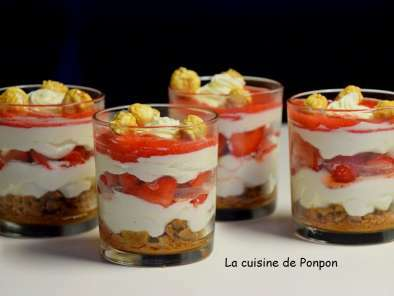 verrine cr me de mascarpone fraises et sp culoos recette ptitchef. Black Bedroom Furniture Sets. Home Design Ideas