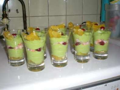 VERRINES DE MOUSSE D4AVOCAT ET TOMATES FRAICHES, photo 2
