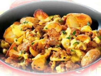 Viande hach e et pommes de terre la po le recette ptitchef - Pomme de terre grille a la poele ...